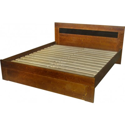 Manželská postel masiv