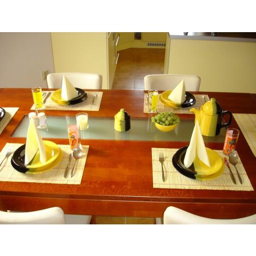 Bytelný stůl