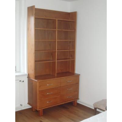 Knihovna ze dřeva