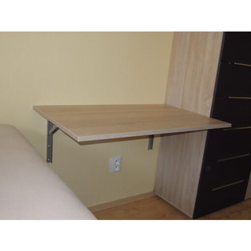 Sklápěcí stůl na zeď