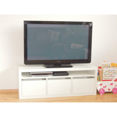 TV stolek bílý
